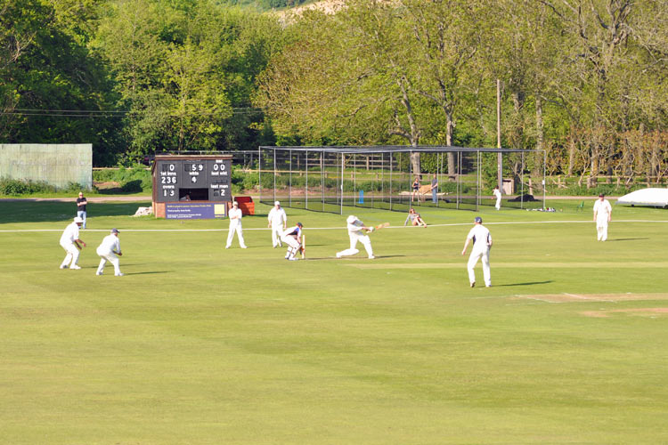 Tickler hits our for Great Missenden Pelicans
